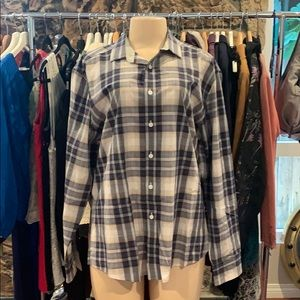 •VINCE CAMUTO•Button Down Plaid Long Sleeves Shirt